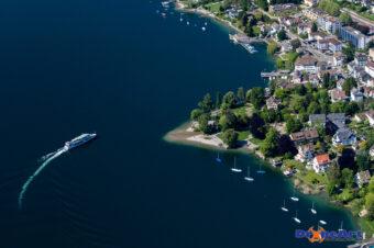 Zürichsee-Schiff in Küsnacht
