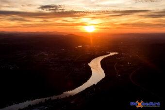 Rhein in den Sonnenuntergang