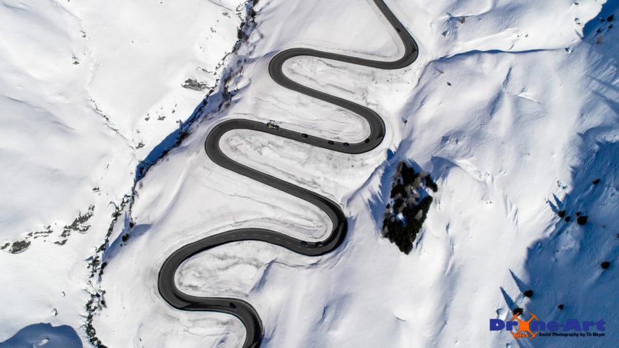 Durch den Schnee schlängeln